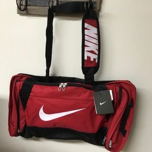 NWT Nike Brasilia 6 Medium Duffel Red BA4829
